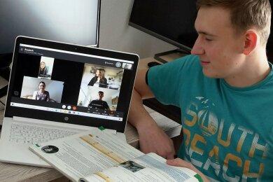 Luca Förster und vier weitere Gymnasiasten sollen ab kommendem Schuljahr kein Russisch mehr machen dürfen.