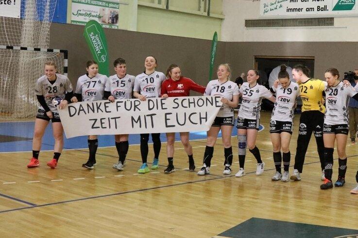 Die originalen Meistertrikots aus einer erfolgreichen Saison können sich die Anhänger des BSV Sachsen Zwickau jetzt sichern.