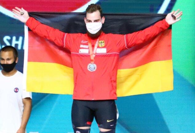 Raphael Friedrich bei der Siegerehrung in Taschkent.