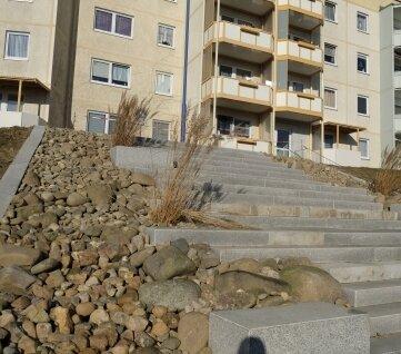 Diese neue und attraktiv gestaltete Treppenanlage verkürzt die Wege zum Blauen Haus.