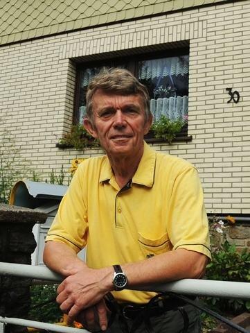 """<p class=""""artikelinhalt"""">Daheim ist der aktive Senior in Thalheim.</p>"""