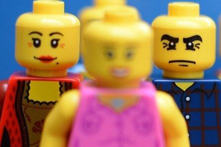 Lego-Figuren sollen für Spaß am Spielen sorgen.