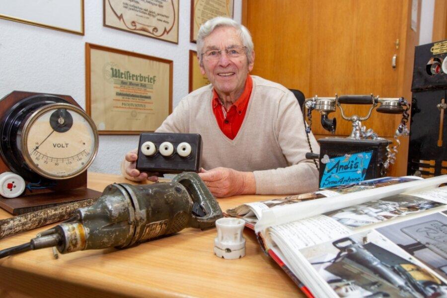 Werner Rost, 91, ist der erste Sachse, der den Ehren-Meisterbrief in Platin verliehen bekommt. Er ist Elektroinstallateurmeister. Als er jung war, fuhr er mit dem Fahrrad zu seinen Baustellen.