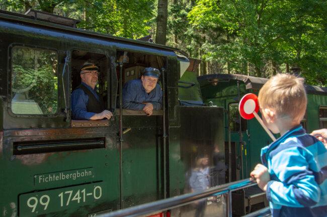 """Die Fichtelbergbahn hat am Montag das Zertifikat """"Familienfreundliche Freizeiteinrichtung"""" erhalten."""