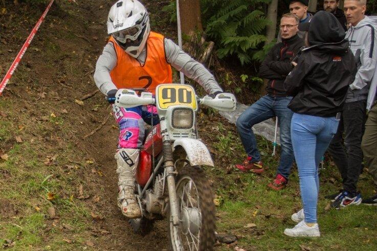Marc Neumann aus Drebach, hier zu sehen im ersten Lauf am Samstag, gewann das Matadorenrennen in der Open-Klasse.