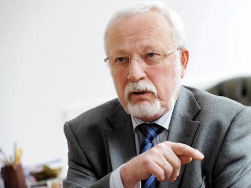 Lothar de Maiziere in seinem Büro in Berlin. Am Montag feiert heute seinen 75. Geburtstag.