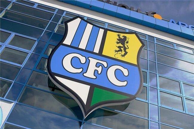 Im Stadion an der Gellerstraße spielt der Chemnitzer FC am Sonntag in der Regionalliga - ohne Zuschauer - gegen Luckenwalde. Sportlich geht es in erster Linie darum, sich in der Tabelle nach oben zu kämpfen. Um die Zukunft des Vereines geht es bald bei einer Abstimmung der Mitglieder.