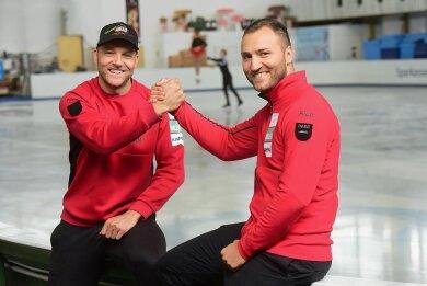 Die Brüder Nico (links) und Denny Ihle sind seit dem Nachwuchs gemeinsam auf dem Eis unterwegs. Doch jetzt ändert sich die Konstellation, denn der Ältere ist ins Trainerlager gewechselt.