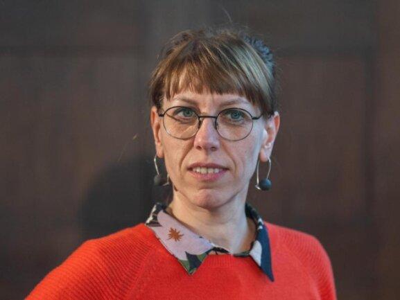 Katja Meier (Bündnis90/Die Grünen), Justizministerin von Sachsen, schaut in die Kamera.