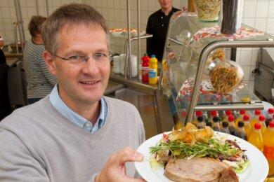 Die Kombination macht's, weiß Udo Lindner: Fleisch mit Salat kann man auch in der Kantine essen.