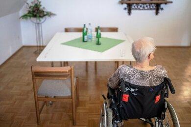 Besuch Fehlanzeige: Erneut drohen in Pflegeheimen Beschränkungen bis hin zum Komplettbesuchsverbot, das die Stadt Chemnitz erließ.
