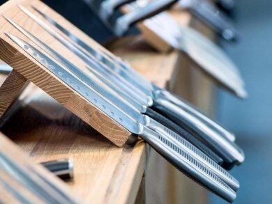 Küchenmesser gibt es viele - längt nicht jedes lässt sich aber auch bequem nutzen.