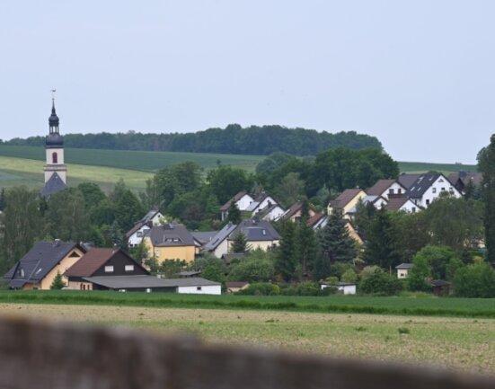 In dem kleinen Dorf Niederfrohna fragen sich etliche Einwohner, was mit Uwe A. passiert sein könnte.