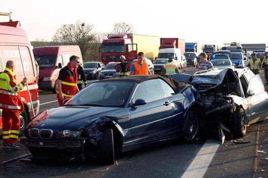 Ein Audi-Fahrer ist am Mittwoch auf der A4 in ein Stauende gefahren.