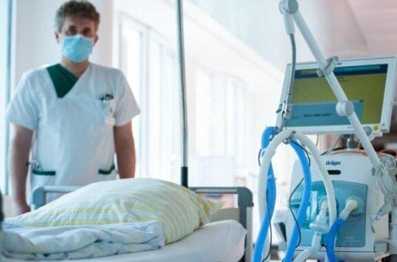 Ein Fünftel der stationär behandelten Covid-19-Patienten sind verstorben