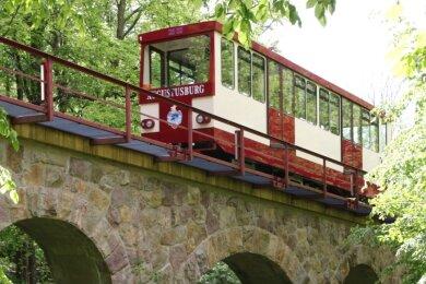 Seit 110 Jahren bringt die Drahtseilbahn Augustusburg Passagiere von Erdmannsdorf nach Augustusburg und wieder zurück.