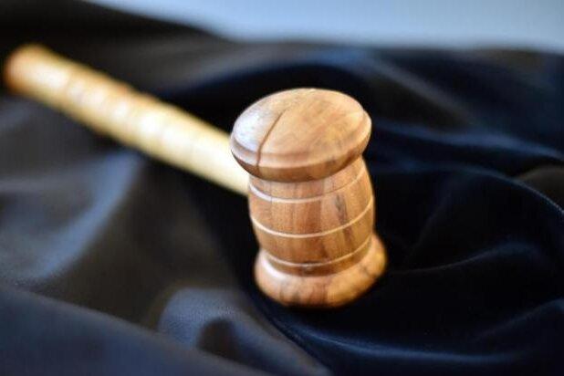Rechte Parolen an Bäckerei: Verfahren startet neu