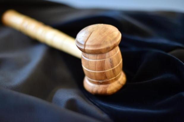 Schnellverfahren: Angeklagter wegen Angriff auf Polizisten verurteilt