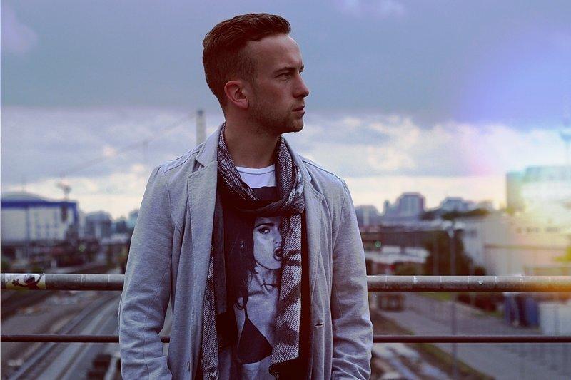 Johann-Christof Laubisch als Rapper Le First in Berlin.