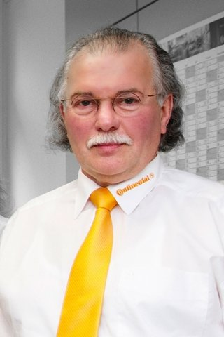 Joachim Dost ist Ausbildungsleiter bei der Continental Automotive GmbH in Limbach-Oberfrohna.