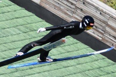 Pia Lilian Kübler landete beim letzten Mattenwettkampf der Saison, dem Fis-Cup in Villach in Österreich, auf den Plätzen 5 und 6.