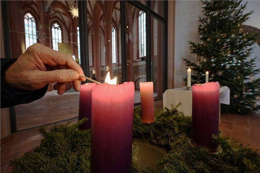 """Weihnachtswoche in der innerstädtischen Jakobikirche. Auch wenn diesmal alles anders ist: """"Weihnachten kann es überall werden - und wird es überall"""", so der evangelische Superintendent Frank Manneschmidt."""