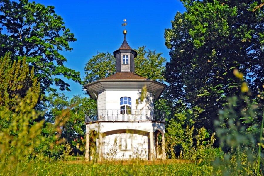 Das Teehaus im Schlosspark - manch einer wünscht es sich als Teil eines gastronomischen Angebotes, aber es bleibt ein grünes Klassenzimmer.