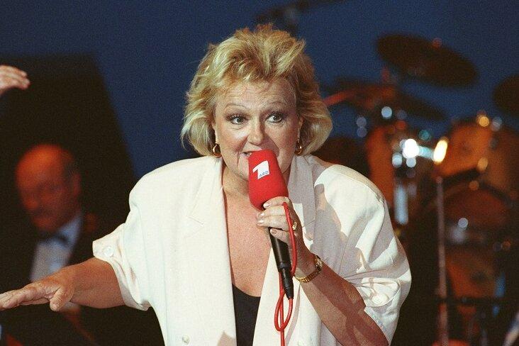 Die Schauspielerin und Entertainerin Helga Hahnemann bei einem Auftritt während der IFA im September 1991. Ihre Berliner Schnauze und ihr Herz waren riesengroß. Als richtige «Rampensau» lachte Helga Hahnemann auch gut über sich selbst.