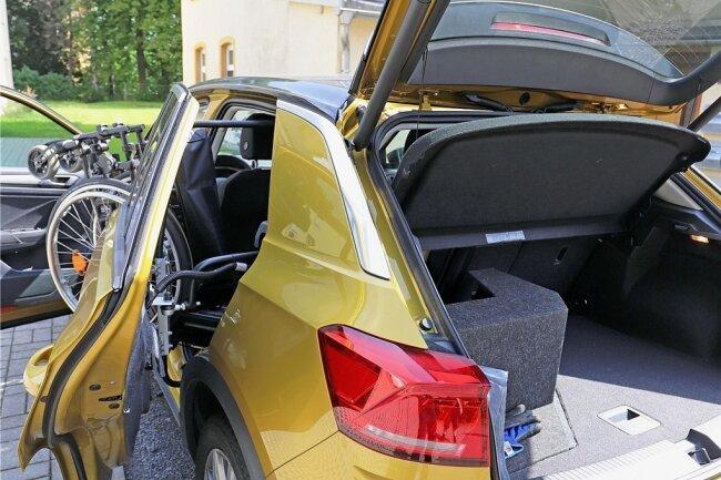 Der Kofferraum des neuen Fahrzeugs wurde speziell umgebaut und angepasst.