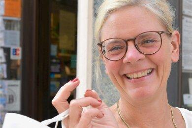 Anke Krause - Gewerbevereinschefin Anke Krause jubelt über den Wegfall der Maskenpflicht in Geschäften.