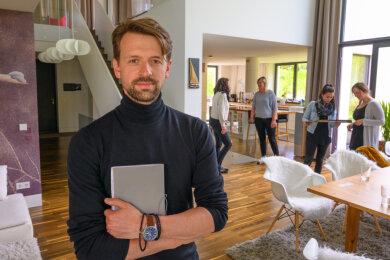 """Martin Fenzl, Geschäftsführer beim Zulieferer Testa Motari in Johanngeorgenstadt, wird als """"Bester Arbeitgeber"""" in Sachsen ausgezeichnet."""