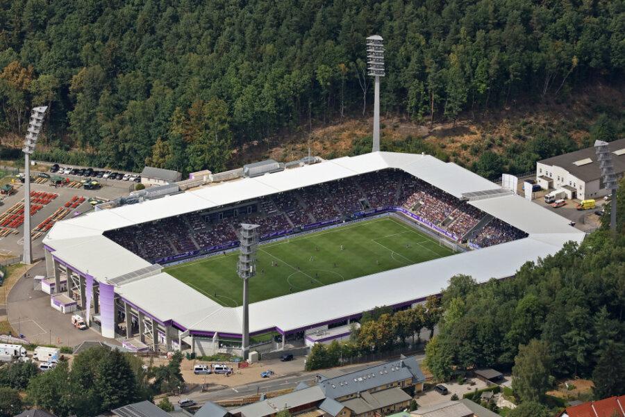 Die Spiele des FC Erzgebirge Aue im Erzgebirgsstadion können zum Ligastart mit vorerst 4.411 Zuschauern stattfinden.