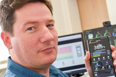 Thomas Krause entwickelt in Neumark eine neuartige Uhr mit zuverlässiger Temperaturmessung. Erkrankungen sollen dadurch schneller erkannt werden. Gerade in Coronazeiten würde das sehr helfen.