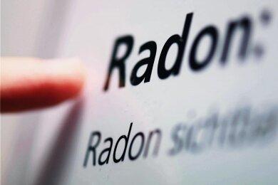 In sechs Gemeinden des Landkreises Zwickau wird vorsorglich für den Zeitraum eines Jahres in Gebäuden der Radongehalt gemessen. Wohnhäuser sind aber nicht betroffen. Foto: Uli Deck/dpa/Archiv