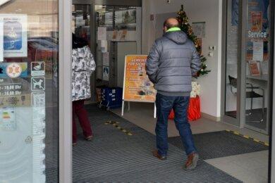 Im Verkaufsraum des Fachmarktes Expert an der Annaberger Straße in Freiberg gilt Maskenpflicht.