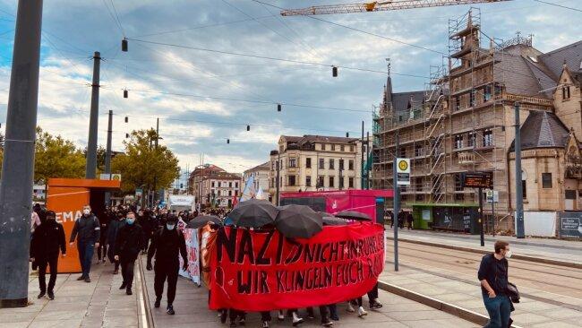Am Hauptbahnhof endete die Demonstration.