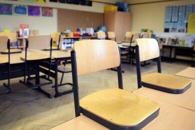 Mitte kommender Woche könnte Mittelsachsen die für Schulöffnungen mit Wechselunterricht notwendige Inzidenz von kleiner 165 erreichen. Diese vorsichtige Schätzung hat Landrat Matthias Damm (CDU) am Mittwochnachmittag im Kreistag abgegeben.