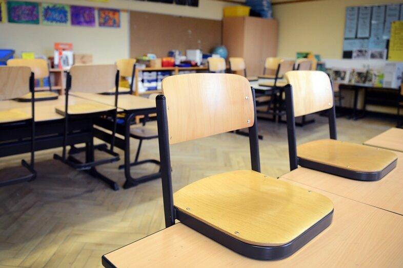 Nach der Kritik einzelner Eltern an der ungenügenden Umsetzung der Hygieneregeln an der Grundschule im Reinsdorfer Ortsteil Vielau hat sich nun auch die Vize-Elternratsvorsitzende Stefanie Reichelt zu Wort gemeldet.