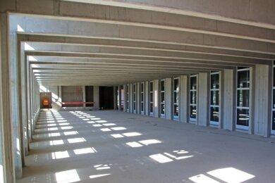 Einer der großen Lesesäle der Universitätsbibliothek. Insgesamt 480 Arbeitsplätze soll es auf drei Etagen geben.