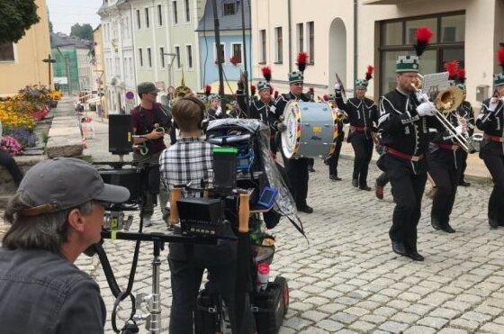 """Die Dreharbeiten zum Erzgebirgskrimi """"Tödlicher Akkord"""" in Schneeberg fanden rund um den Bergstreittag statt. Nun wird der Krimi fortgesetzt."""