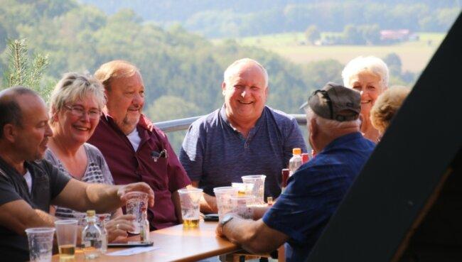 Bei bestem Wetter hatten die Besucher von der Kunnersteinhütte einen herrlichen Blick auf Hennersdorf und Kunnersdorf.