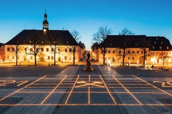 Lichter im Quadrat: Marienberger Markt erstrahlt zum 500. Stadtgeburtstag