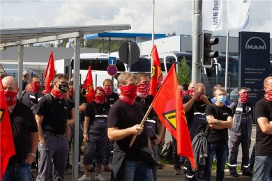 Nach Bekanntwerden der Schließungspläne zeigte die Belegschaft des Plauener MAN-Betriebs vorletzte Woche bereits Flagge. Am morgigen Dienstag gibt es eine erneute Protestaktion.