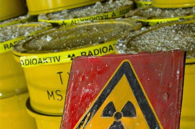 Fässer mit radioaktivem Abfall.