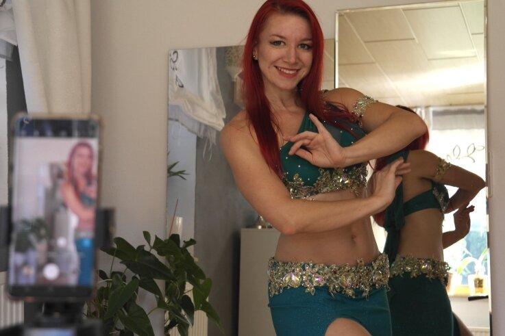 Wochenlang konnte Tanzlehrerin Franziska Franz mit ihren Trainingsgruppen nur via Internet kommunizieren.