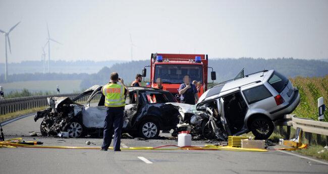 Zwei Tote bei schwerem Unfall nahe Reichenbach | Freie Presse ...