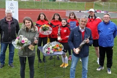 Der Sportförderpreises der DOG-Stadtgruppe Zwickau ging an Isabell Richter, Siegfried Anders und das B-Mädchen-Team des DFC.
