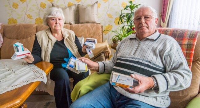 Monika und Manfred Günther aus Stollberg finden keinen Hausarzt. Sie haben kein Internet, nur Telefon. Ob sie jemals eine Praxis finden, die zudem nicht ganz so weit weg ist? Das kann derzeit keiner sagen.