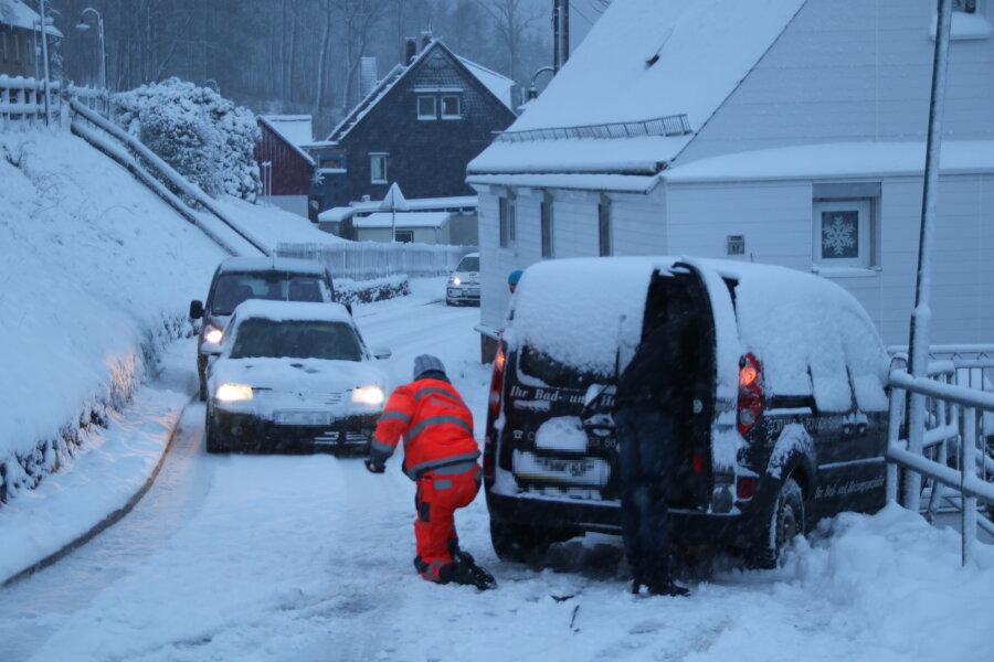Für Busse und LKW gab es über zwei Stunden kein Durchkommen im Augustusburger Ortsteil Grünberg.