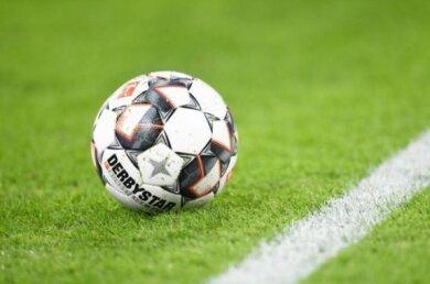Der Kreisverband Fußball Zwickau (KVFZ) hat beschlossen, die Saison 2019/20 ohne weitere Punktspiele zum 30. Juni 2020 auslaufen zu lassen.